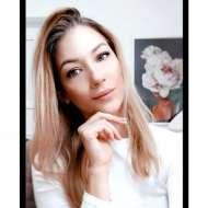 Plézerné Girst Kitti Mademoiselle Nail Salon